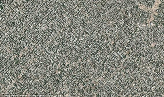 И еще один мегатрополис – взгляд на Нью Дели с высоты птичьего полета (более 22 миллионов жителей).